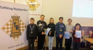 Verðlaunahafar. Óttar, Kristján, Sara, Rayan, Benedikt og Ingvar.